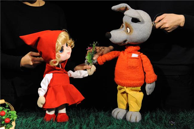 儿童剧-国外经典童话演出季系列 -- 木偶童话剧《这头