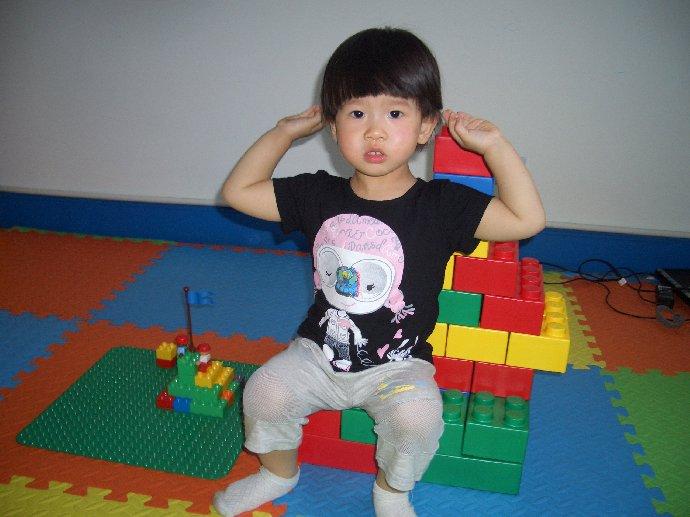 两岁女宝宝短头发发型,两岁女宝宝发型图片,两岁宝宝短发型,两