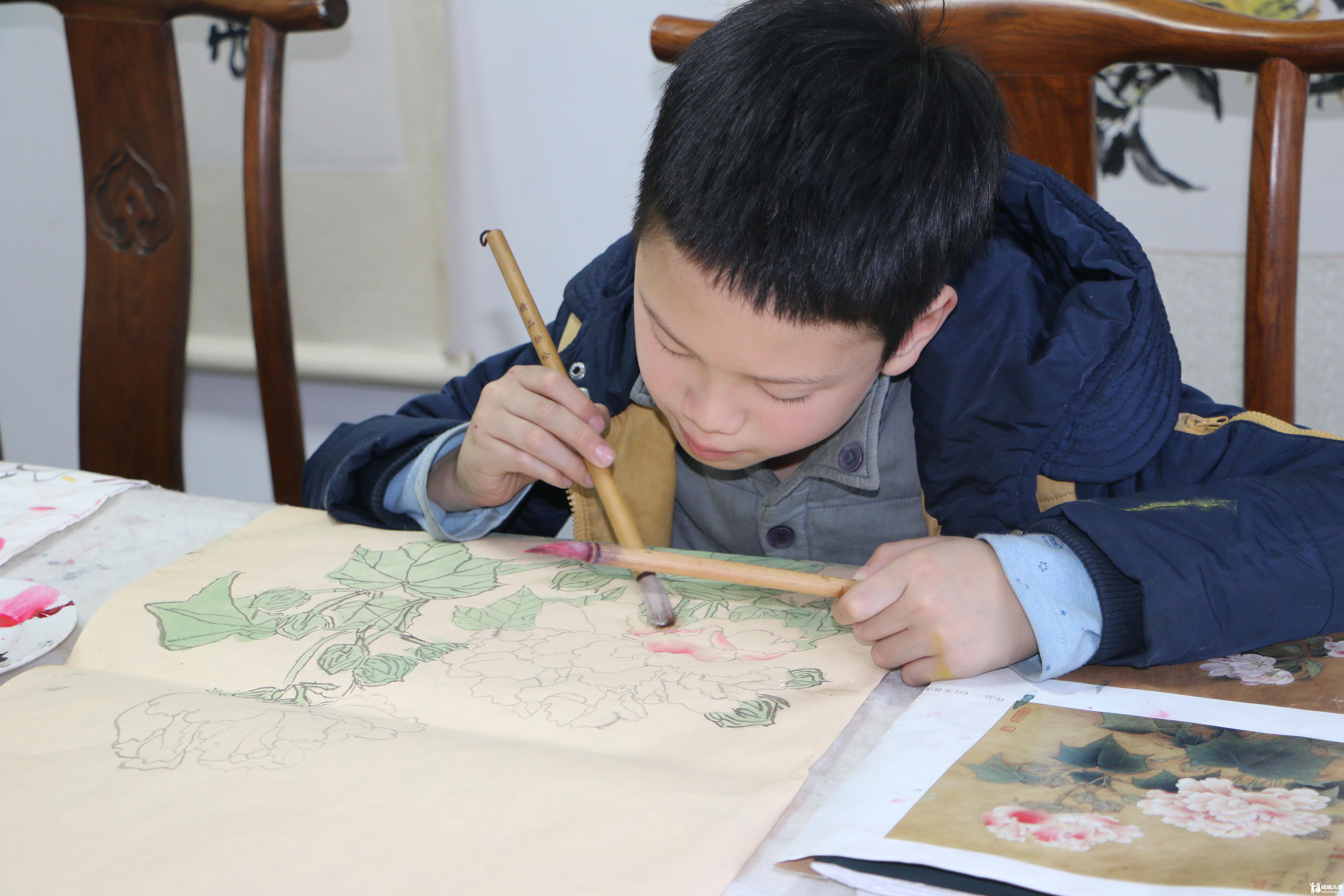 幼儿线描剪贴画-2、帮助小朋友体会音乐节奏的美感,配合地舞出各种动作.-唯中学馆