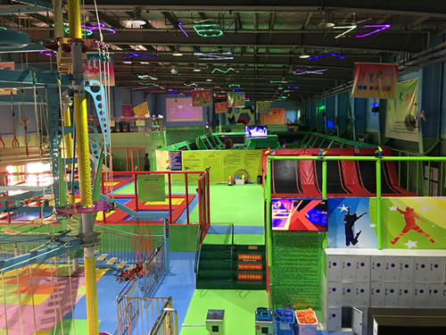 多乐岛蹦床公园以娱乐,运动及健身为一体图片