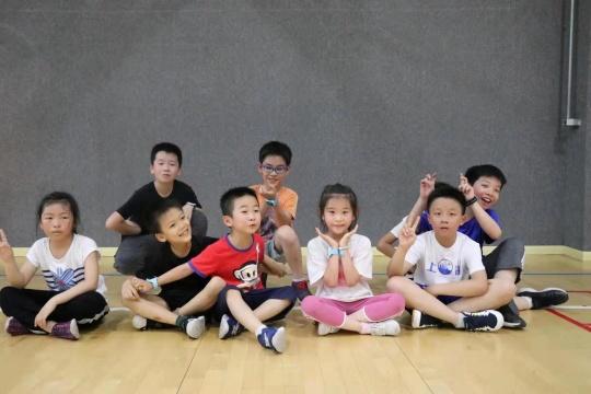 启明青少年羽毛球 | 全面协调孩子走、跑、跳、平衡等综合运动能力!